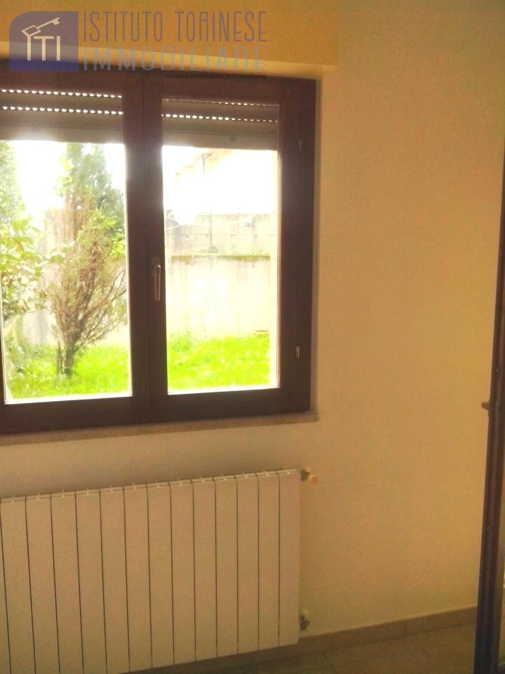 Appartamento in vendita a Pomezia, 1 locali, zona Località: Pomeziacentro, prezzo € 82.000 | CambioCasa.it