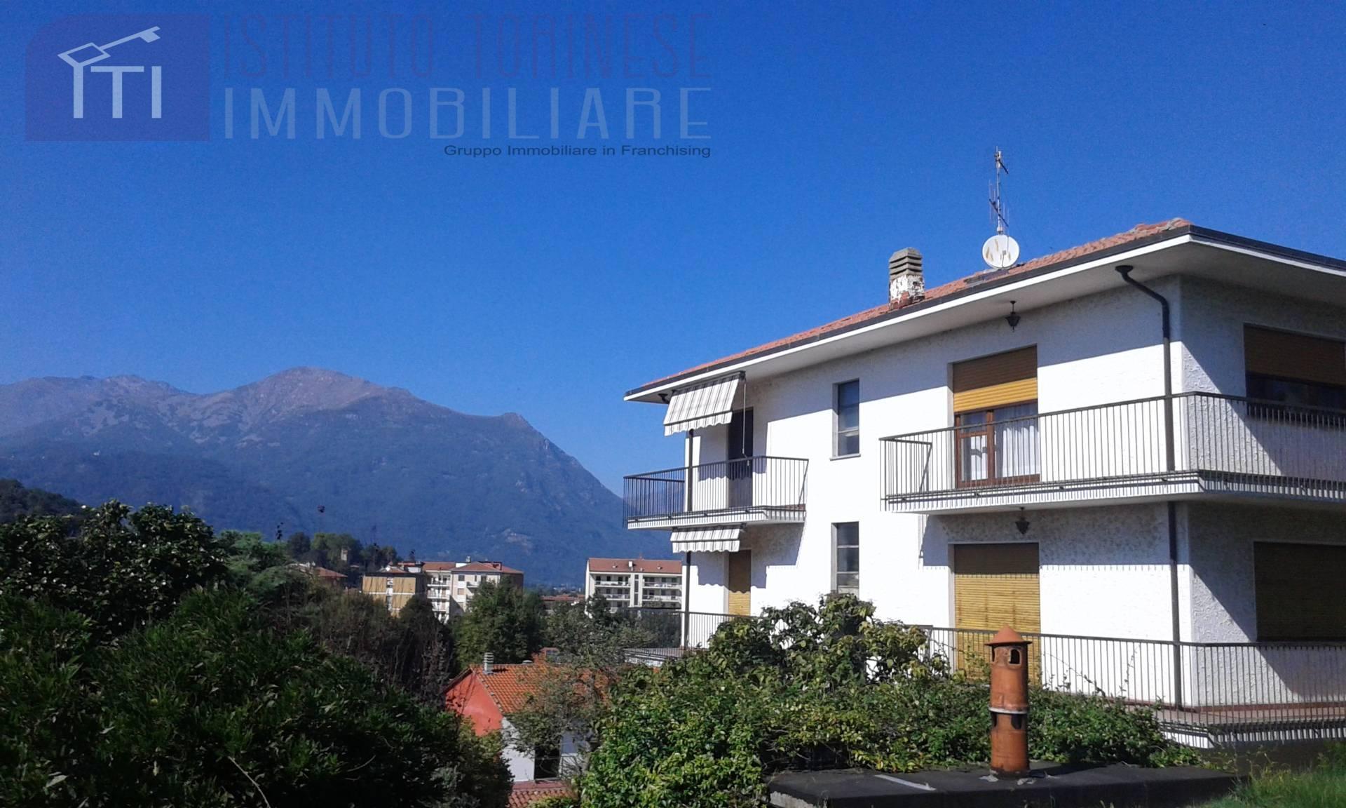 Villa Bifamiliare in vendita a Ivrea, 14 locali, prezzo € 329.000 | CambioCasa.it