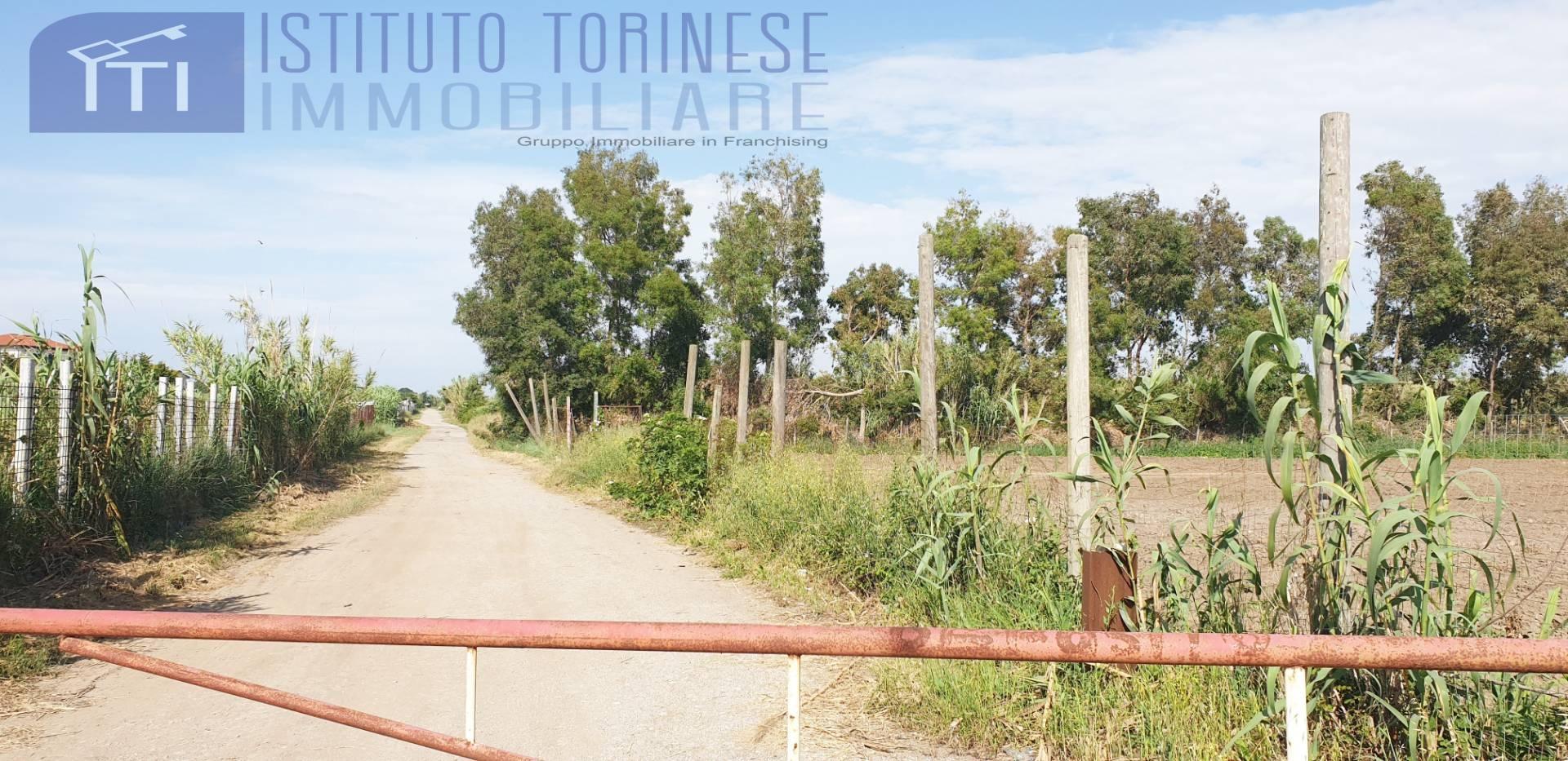 Terreno Agricolo in vendita a Giugliano in Campania, 9999 locali, prezzo € 127.000   CambioCasa.it
