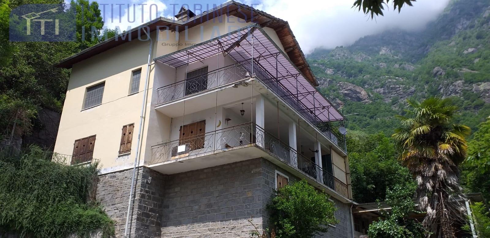 Appartamento in vendita a Locana, 8 locali, prezzo € 49.000 | PortaleAgenzieImmobiliari.it