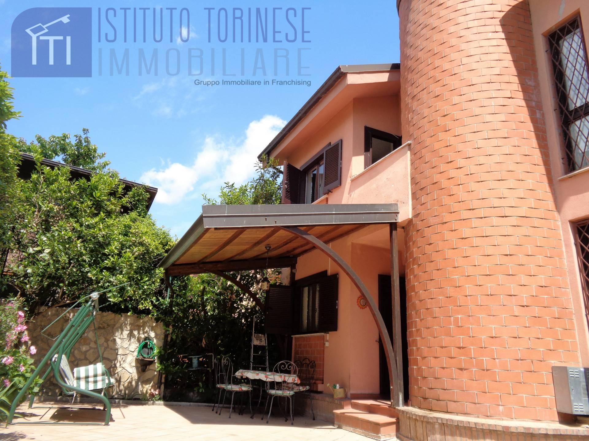 Villa in vendita a Cassino, 6 locali, zona Località: S.AngeloinTheodice, prezzo € 170.000   CambioCasa.it