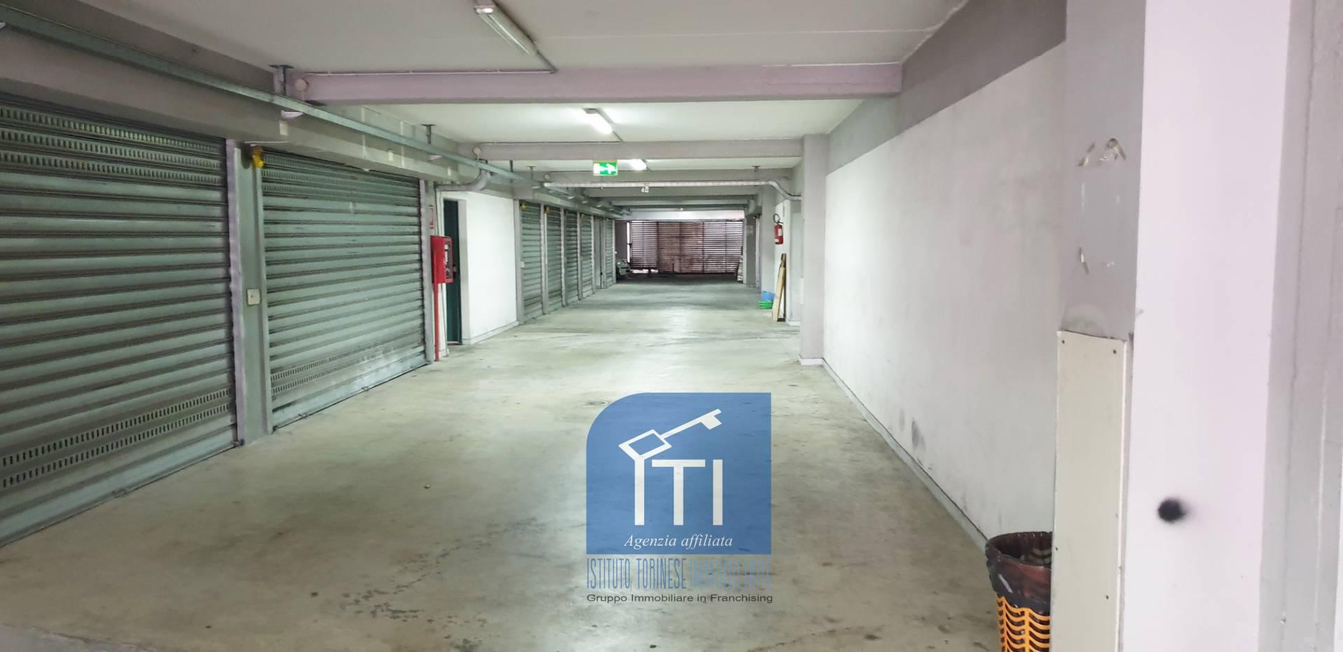 Box / Garage in vendita a Napoli, 1 locali, prezzo € 23.000 | CambioCasa.it