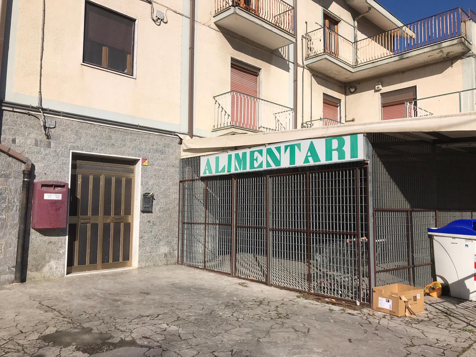 NEGOZIO in Vendita a Libertà, Benevento (BENEVENTO)
