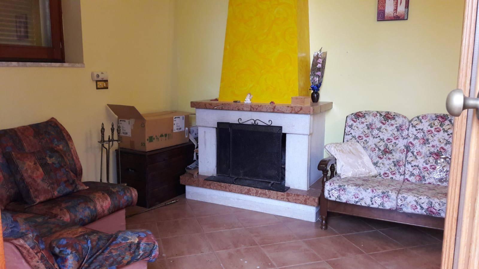 Appartamento in affitto a Paupisi, 4 locali, prezzo € 350 | CambioCasa.it