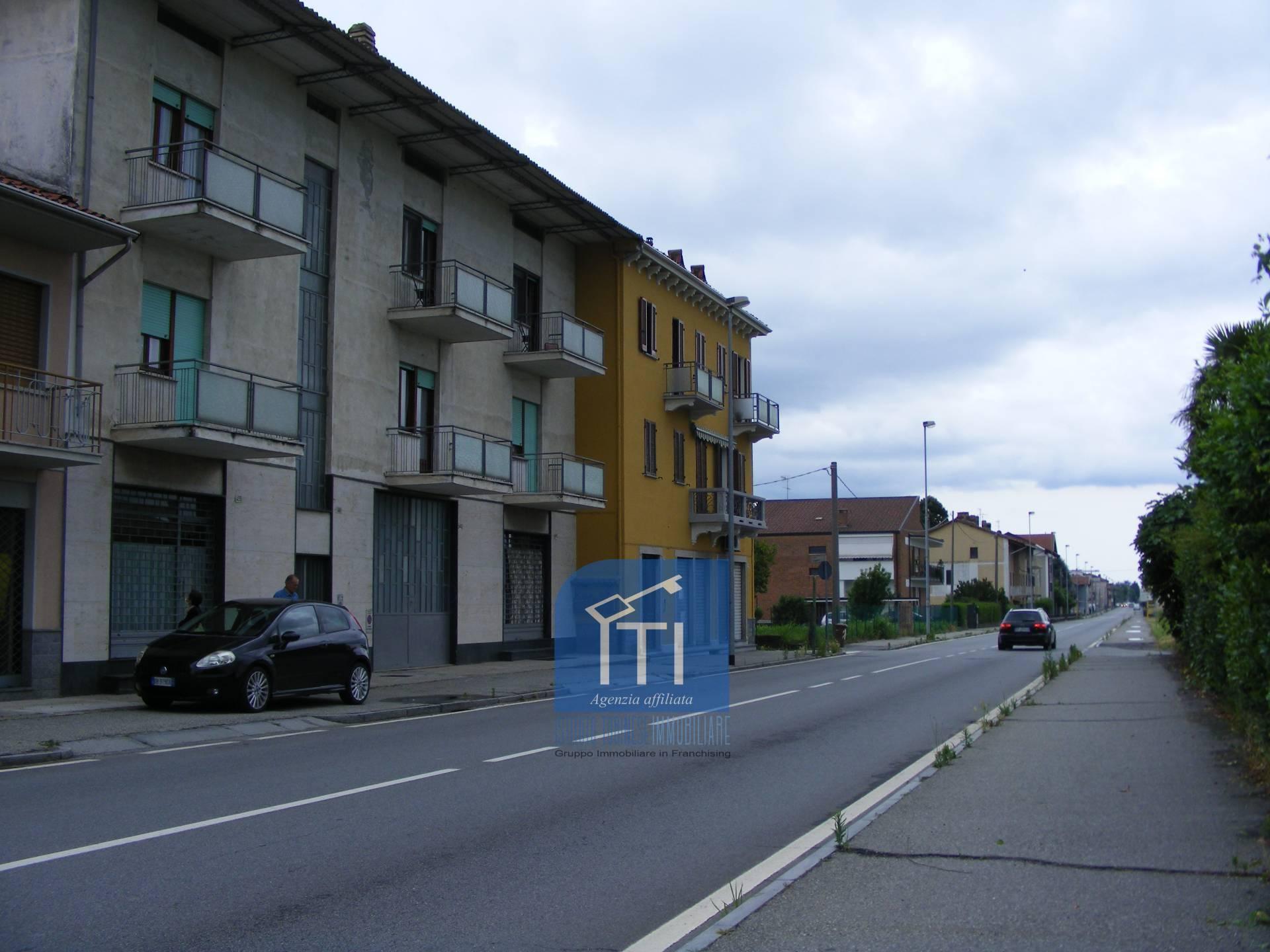 Negozio / Locale in affitto a Ivrea, 9999 locali, prezzo € 400 | PortaleAgenzieImmobiliari.it