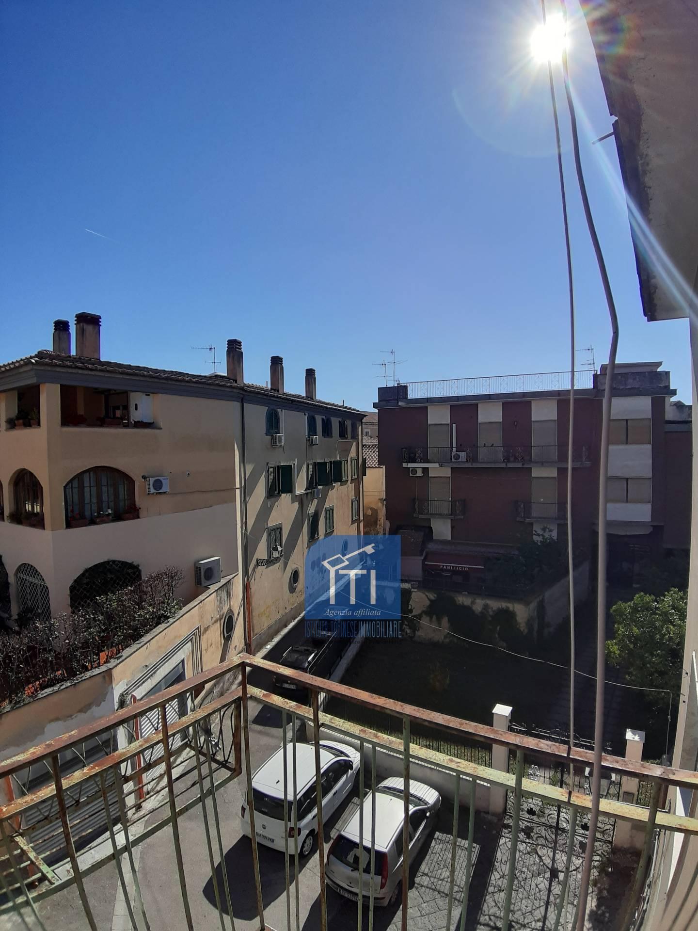 Appartamento in affitto a Aversa, 5 locali, prezzo € 430   CambioCasa.it