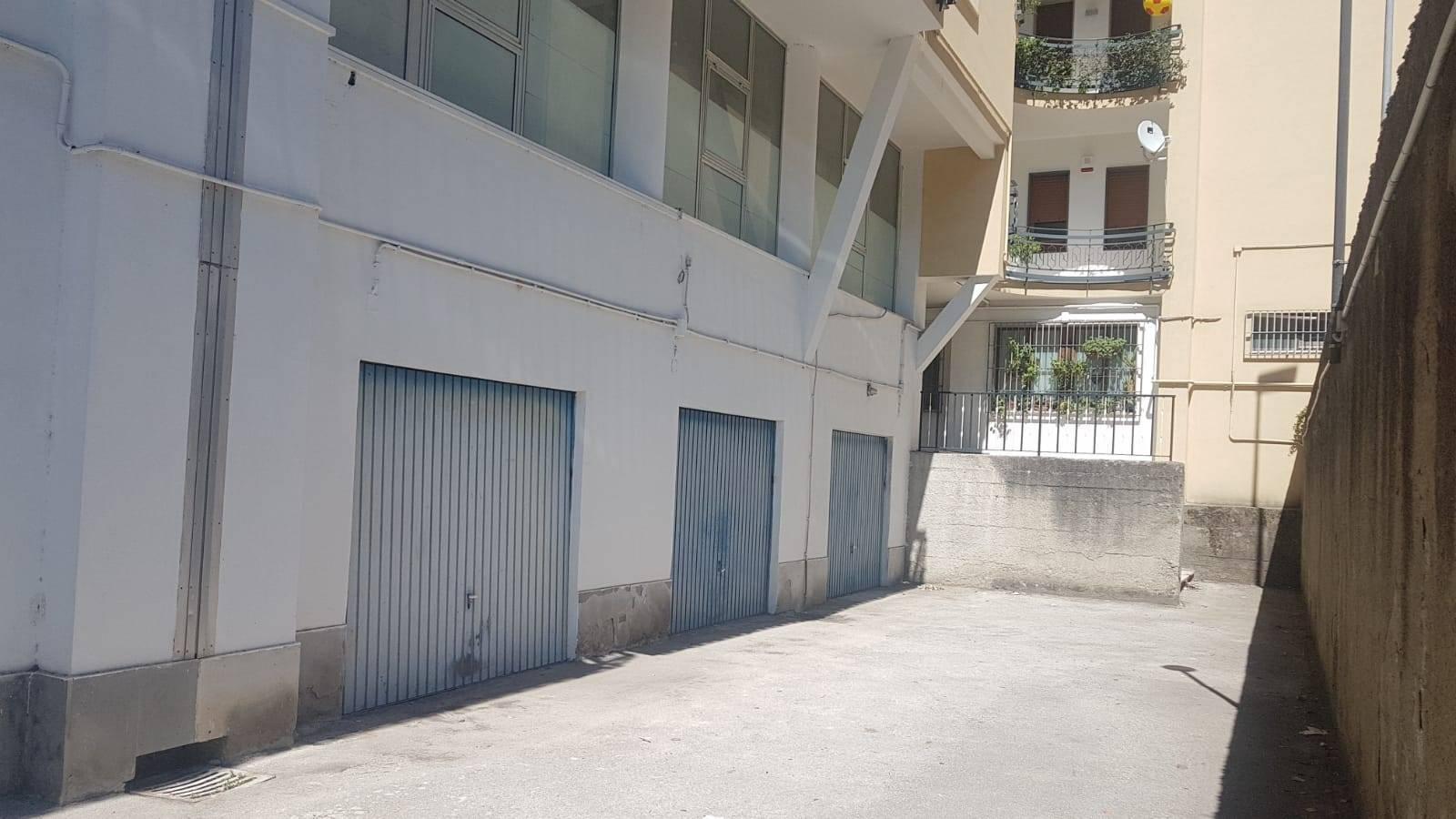 Box / Garage in vendita a Benevento, 1 locali, zona Zona: Pacevecchia , prezzo € 35.000 | CambioCasa.it