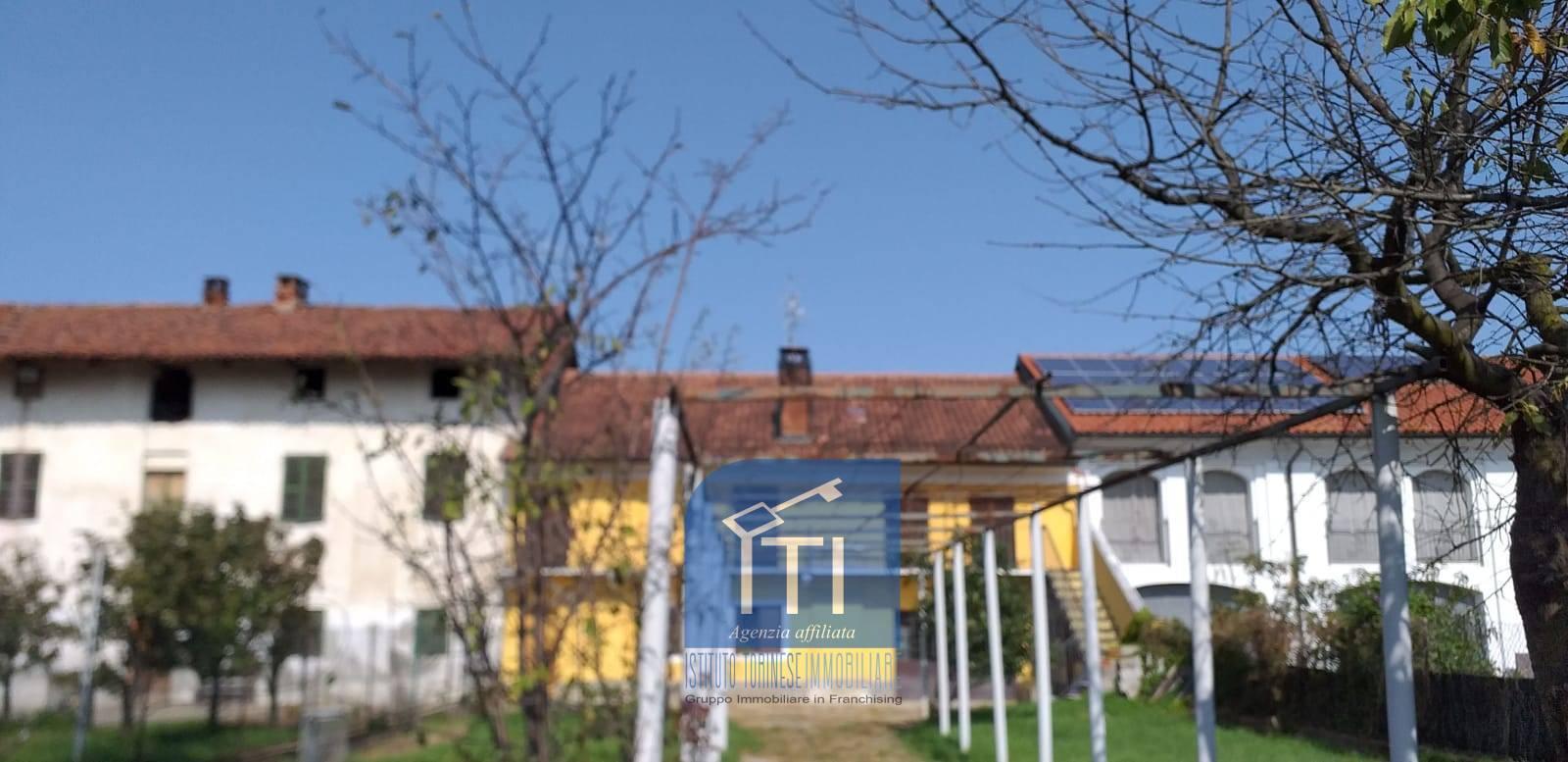 Soluzione Indipendente in vendita a Santhià, 8 locali, prezzo € 74.000   PortaleAgenzieImmobiliari.it