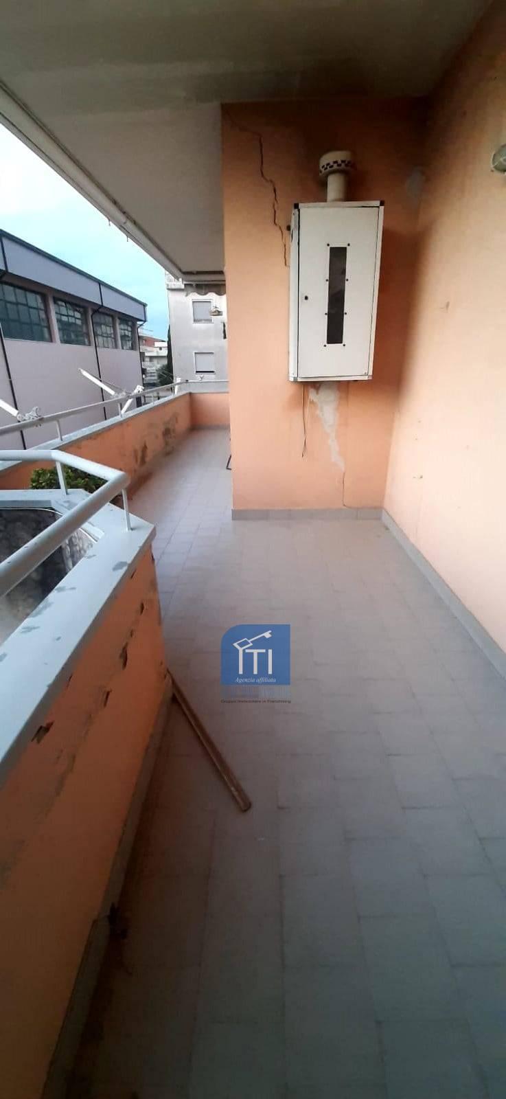 Appartamento in affitto a Giugliano in Campania, 3 locali, prezzo € 500   CambioCasa.it