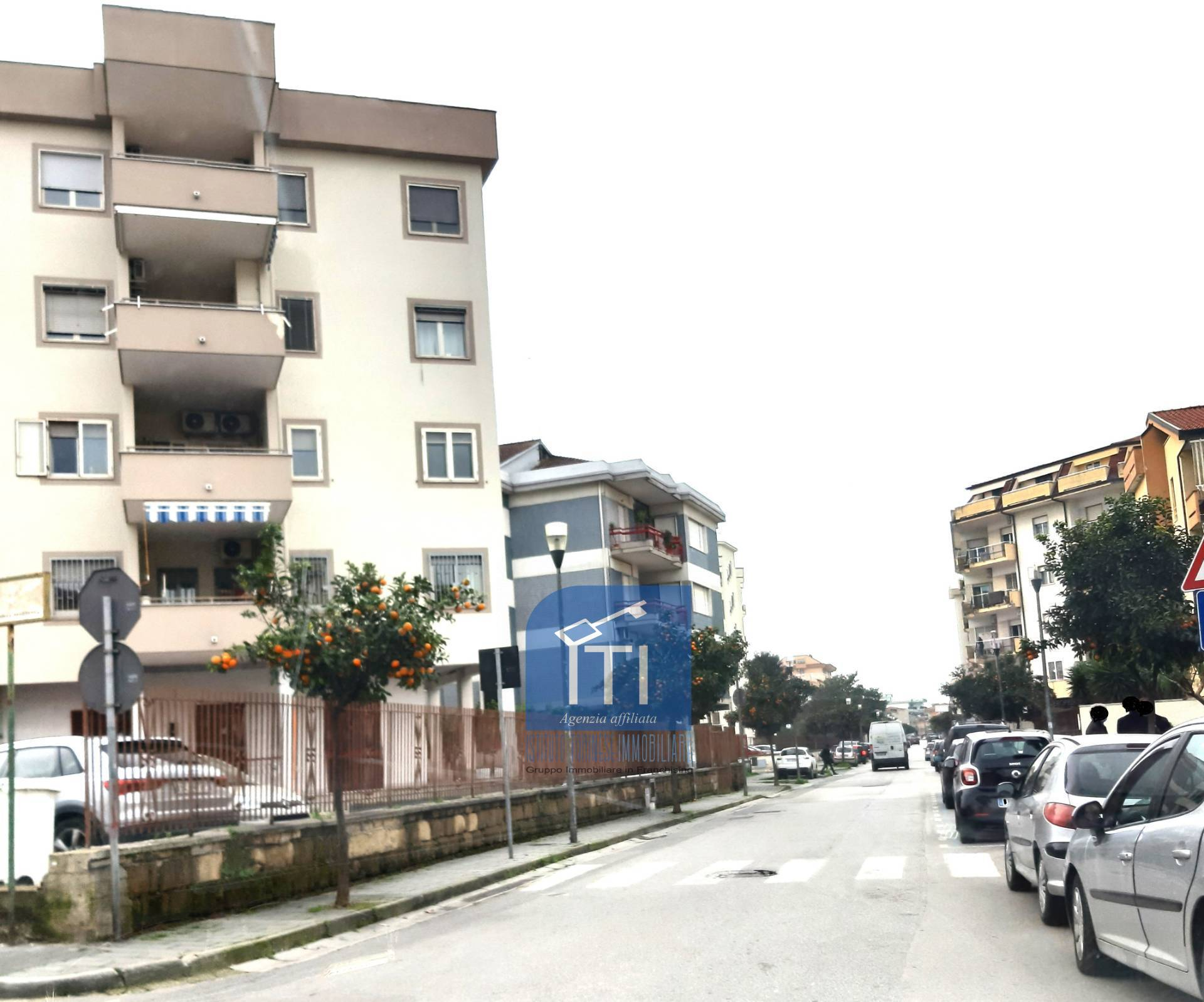 Appartamento in affitto a Aversa, 6 locali, zona Località: Centro, prezzo € 600   CambioCasa.it