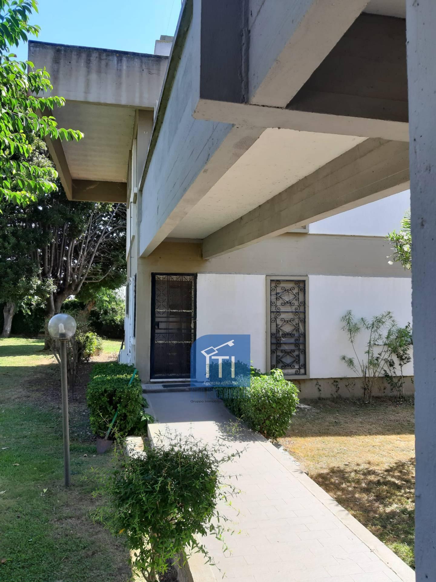 Appartamento in vendita a Ardea, 3 locali, zona Località: NUOVACALIFORNIA, prezzo € 55.000   PortaleAgenzieImmobiliari.it