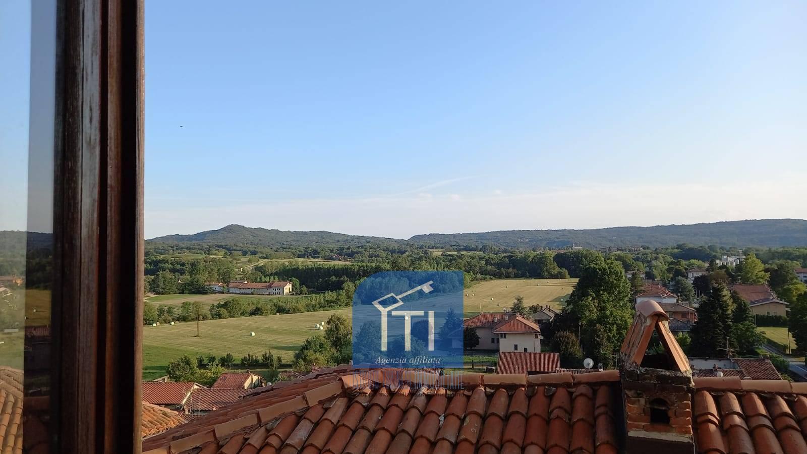 Appartamento in vendita a Azeglio, 6 locali, prezzo € 64.000   PortaleAgenzieImmobiliari.it