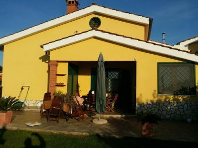 Vai alla scheda: Villetta bifamiliare Vendita - Pomezia (RM)   Pomezia Castagneto - Colli di Enea-Campo Jemini - Codice ITI 003-29/622