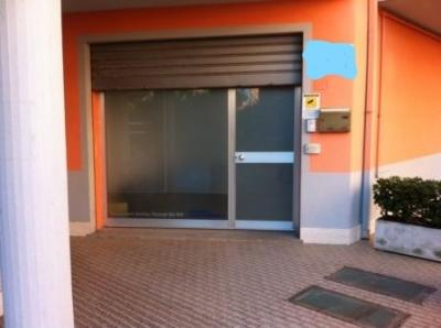 Locale commerciale in Vendita a Porto Sant'Elpidio