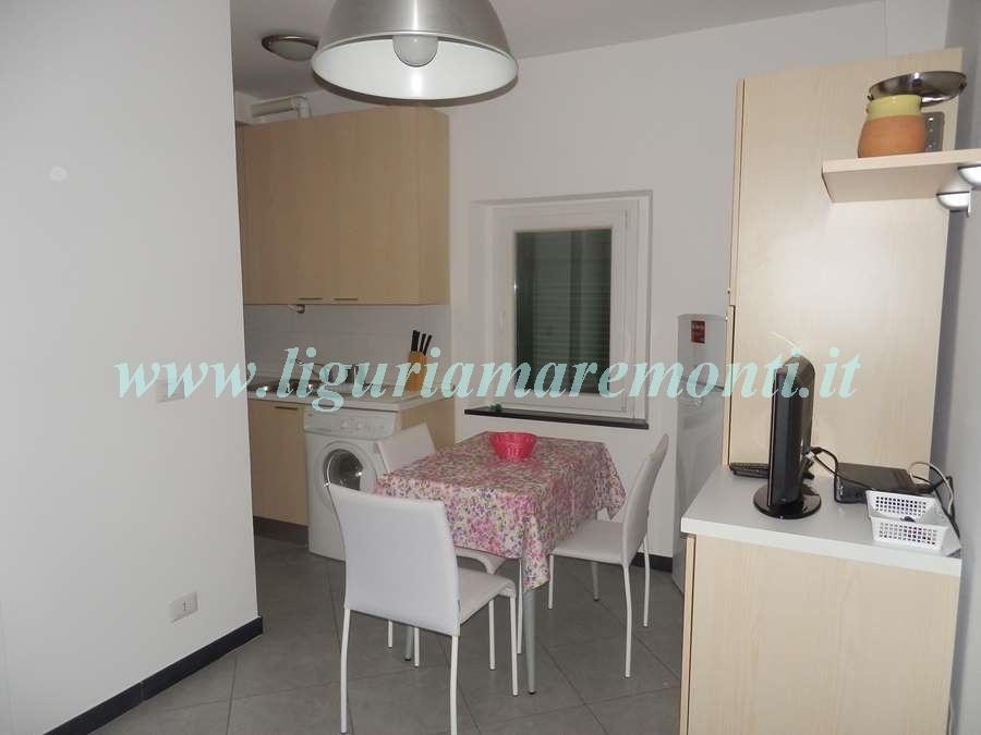 Appartamento in affitto a Savona, 3 locali, zona Zona: LeginoZinola, prezzo € 550 | CambioCasa.it