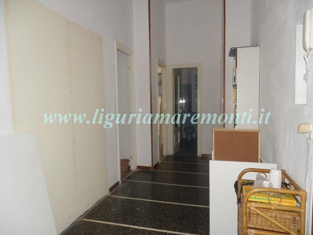 Appartamento in vendita a Savona, 3 locali, zona Zona: Villetta, prezzo € 128.000 | CambioCasa.it