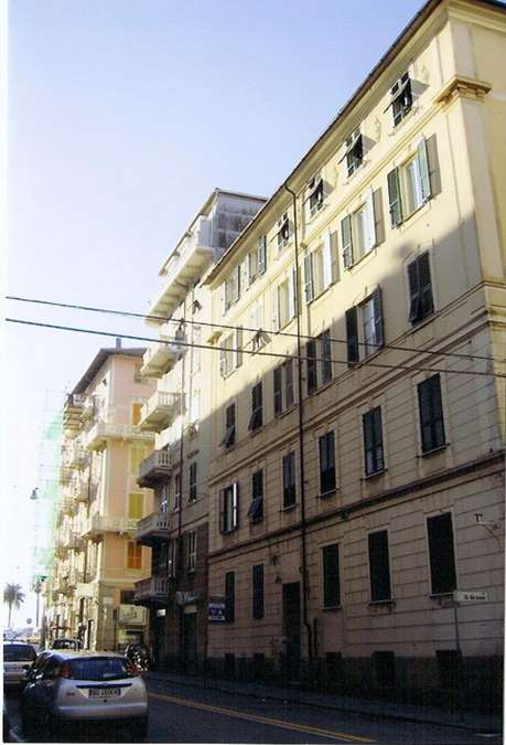 Magazzino in affitto a Savona, 9999 locali, zona Zona: Centro, prezzo € 180   CambioCasa.it