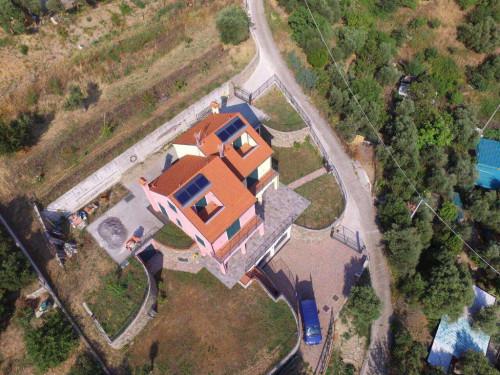 Casa singola in Vendita a Savona