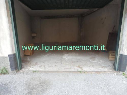 Box o garage in Affitto a Savona