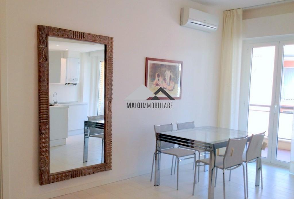 Appartamento in vendita a Riccione, 3 locali, zona Località: PORTO, prezzo € 600.000 | Cambio Casa.it
