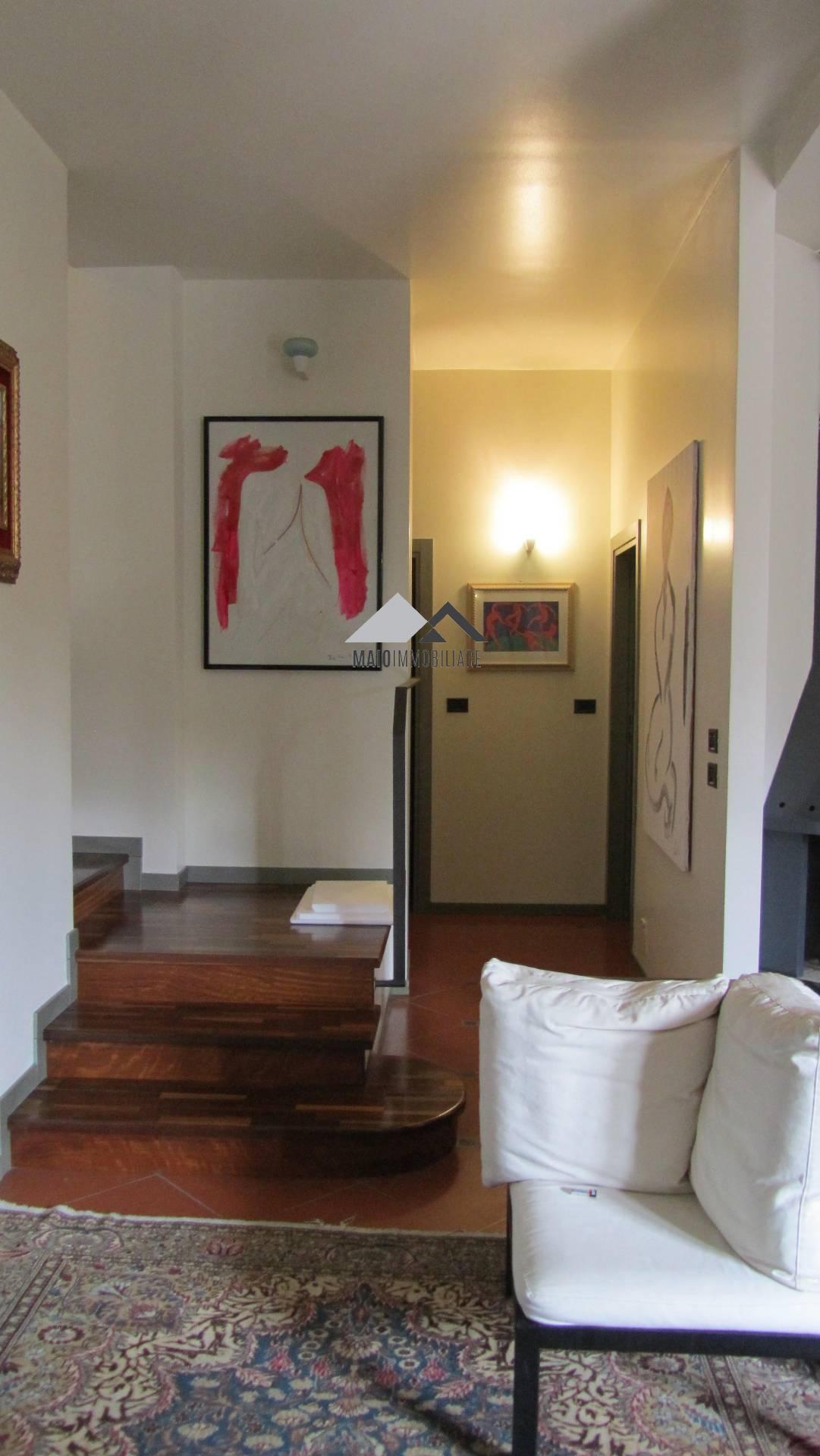 Soluzione Indipendente in vendita a Riccione, 6 locali, zona Località: PAESE, Trattative riservate | Cambio Casa.it