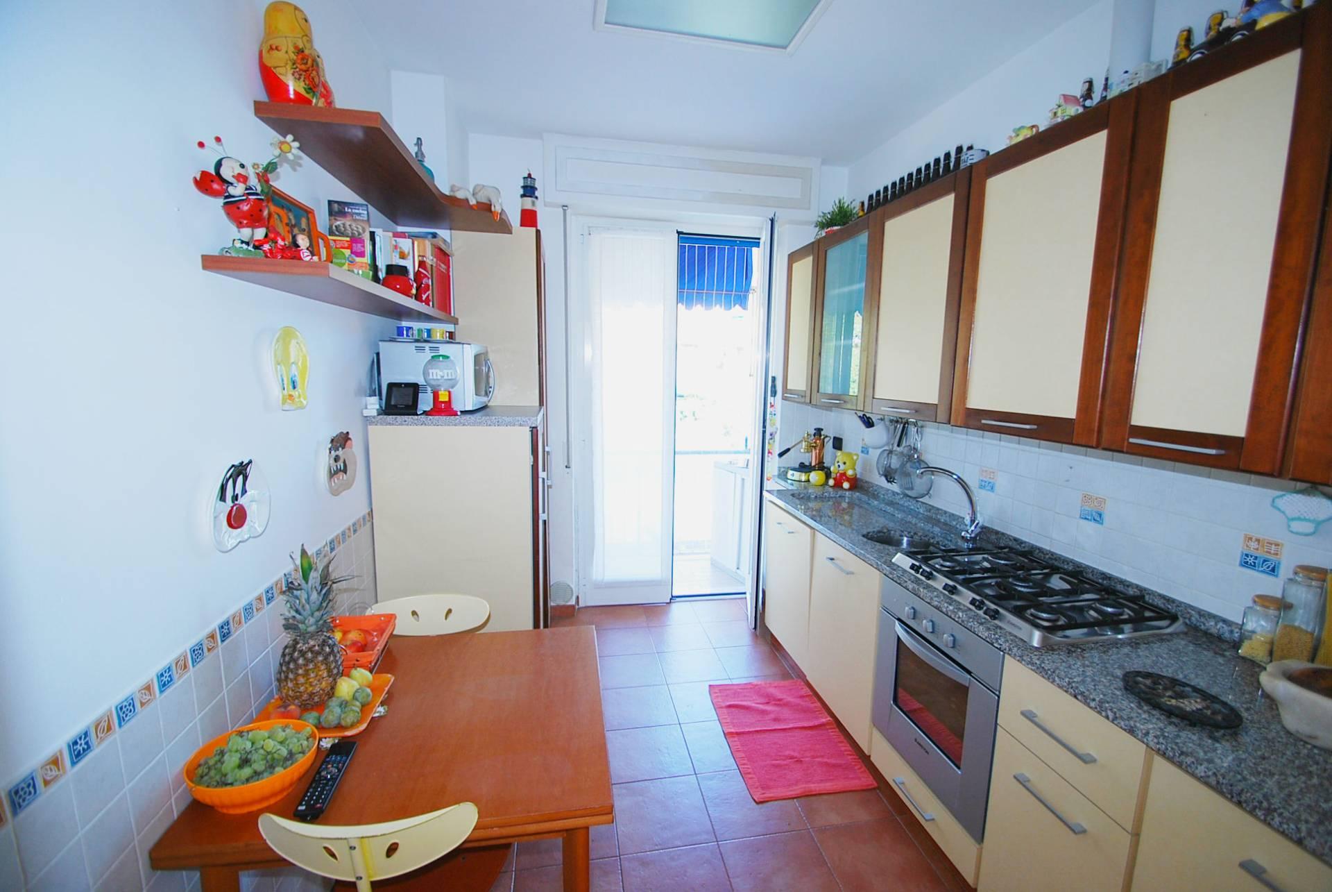 Appartamento in vendita a genova cod via delle acacie for Bel soggiorno genova
