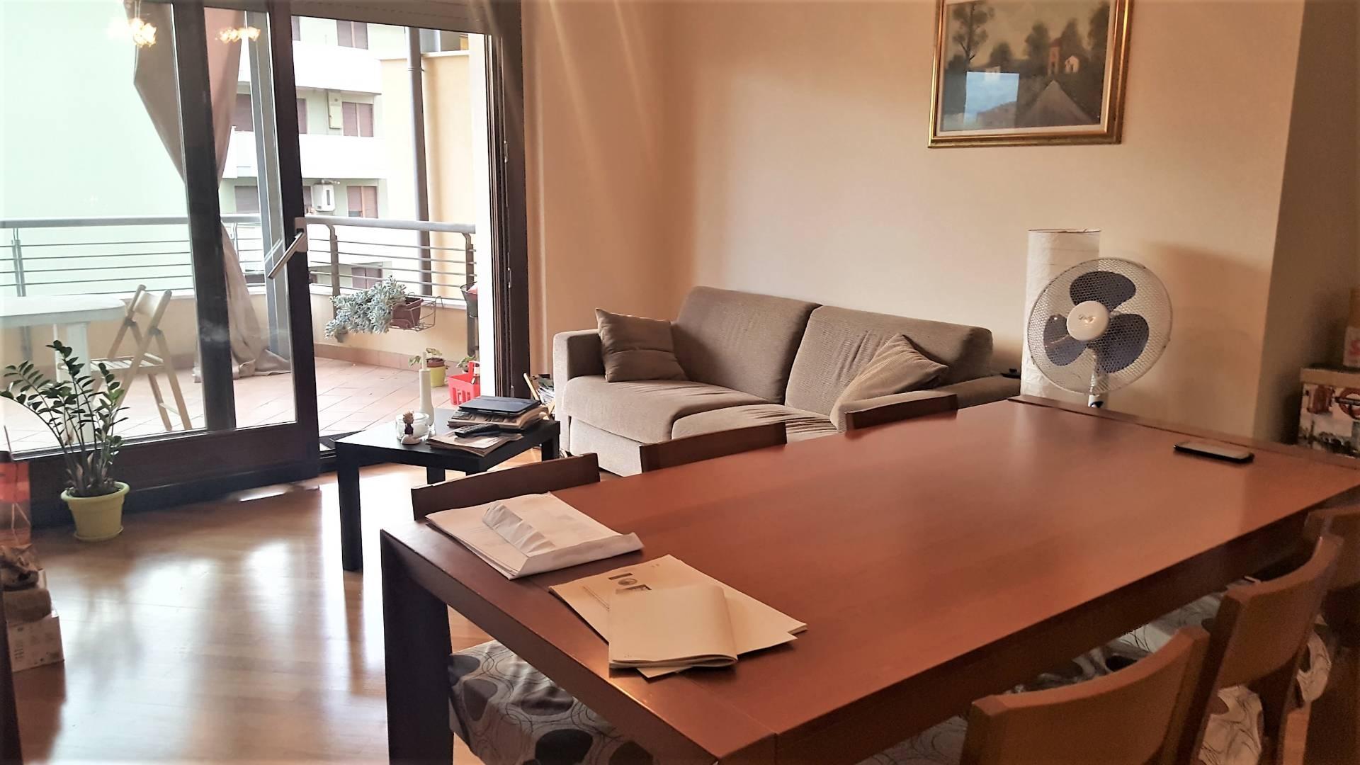 Camere Pescara Centro : Appartamento in affitto a pescara cod a
