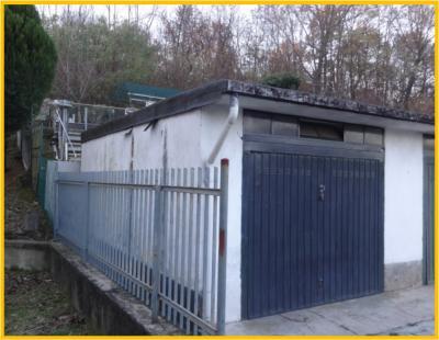 Box o garage in Vendita a Cavaria con Premezzo