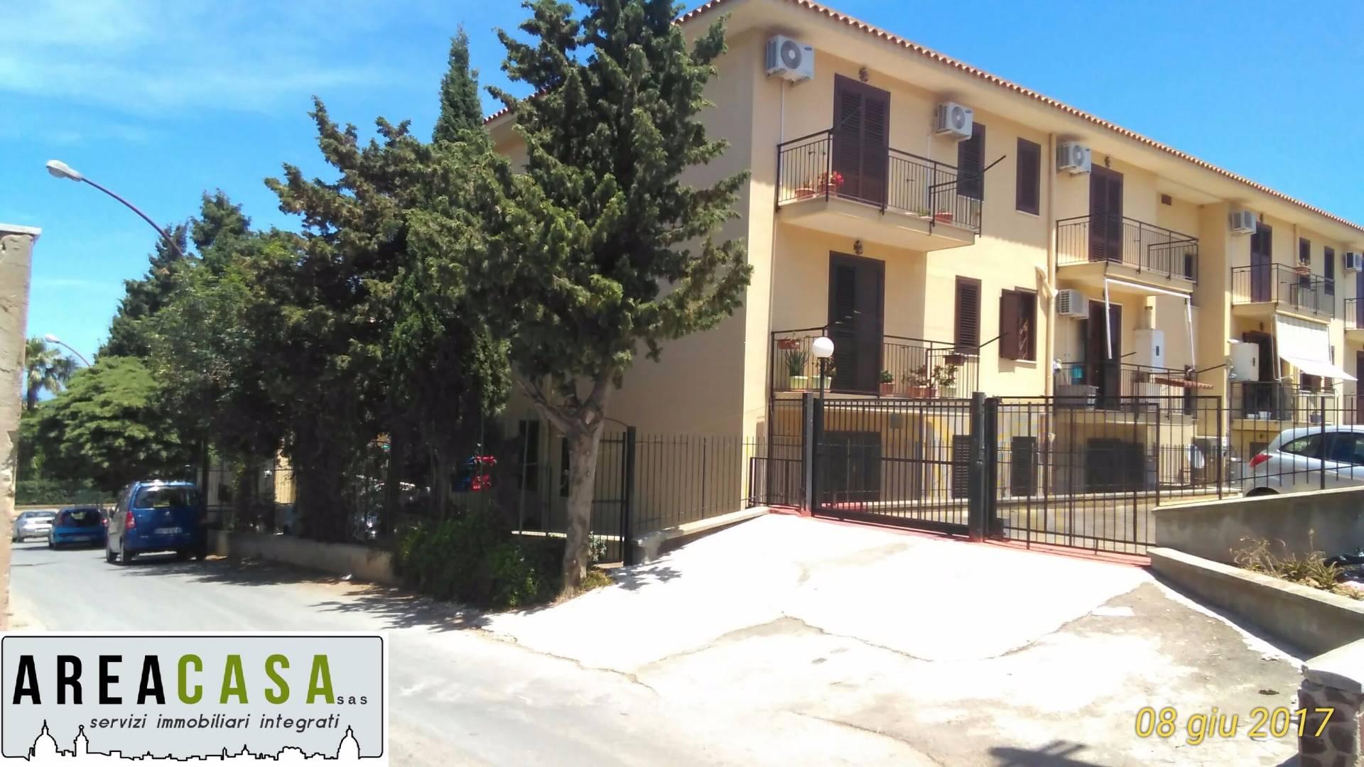 Appartamento in vendita a Carini, 3 locali, prezzo € 110.000 | CambioCasa.it