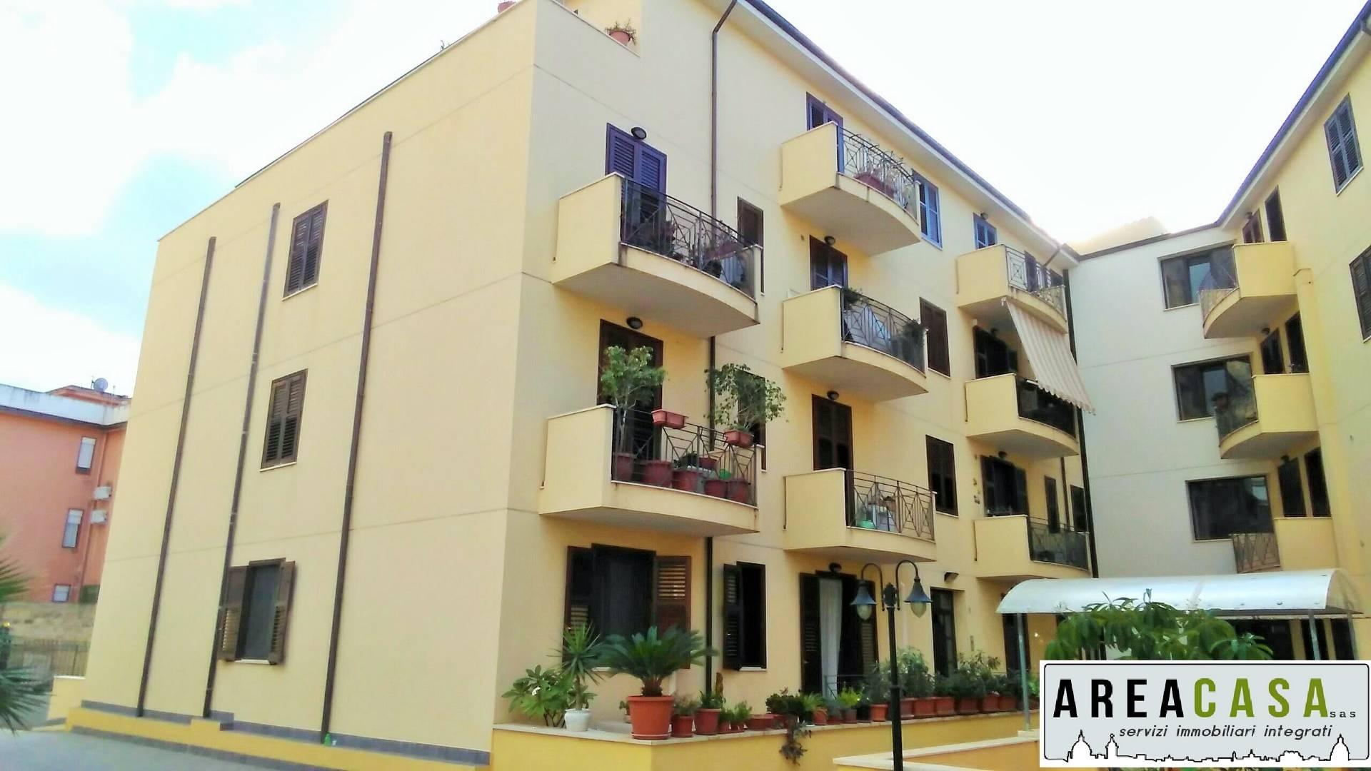 vendita appartamento capaci   168000 euro  3 locali  130 mq