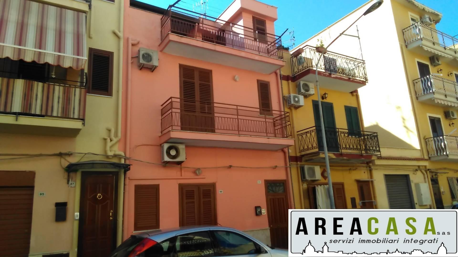 vendita appartamento capaci   75000 euro  5 locali  120 mq
