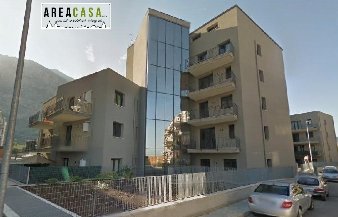 vendita appartamento capaci   185000 euro  3 locali  130 mq