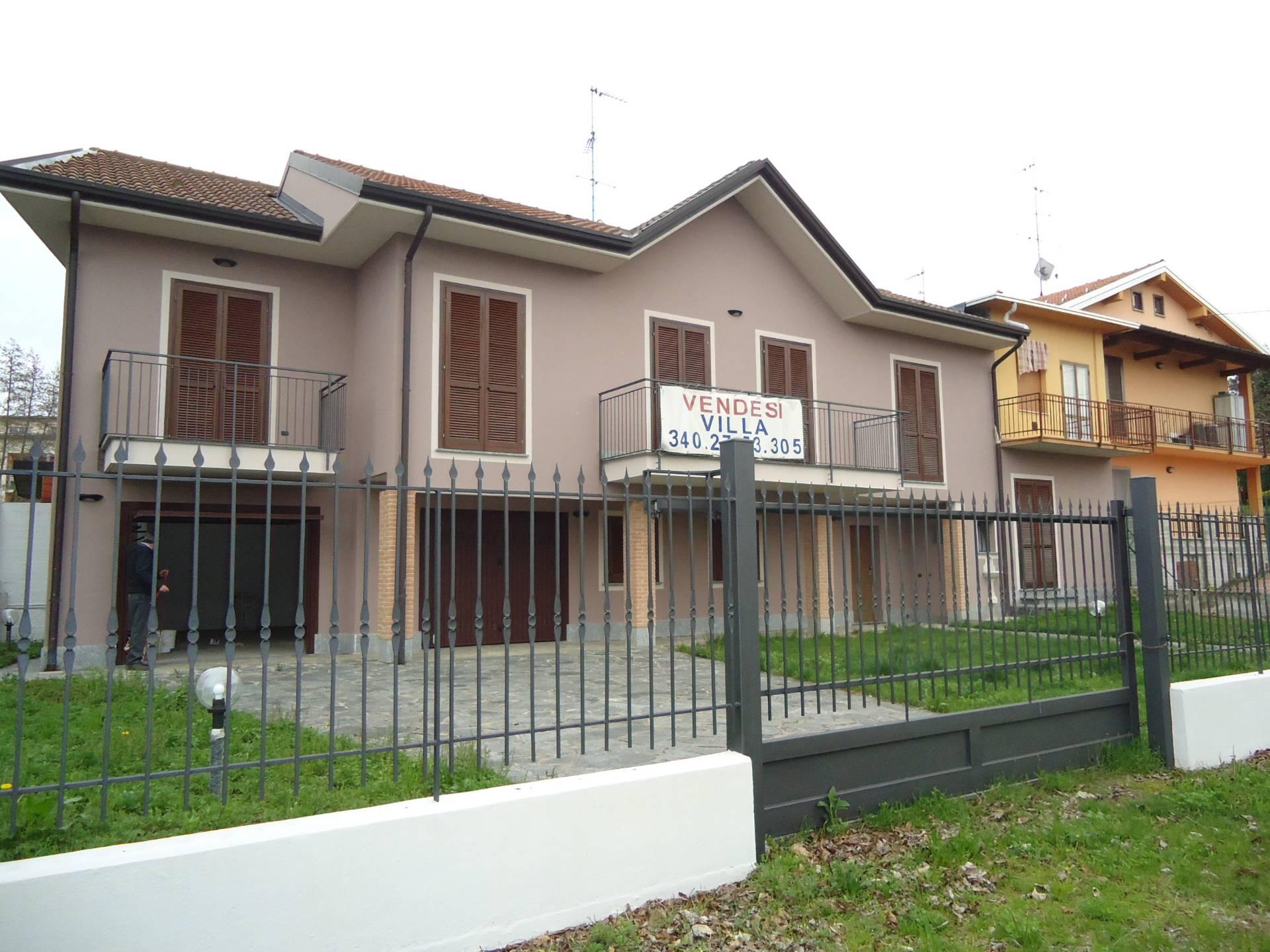Villa in vendita a Solbiate Arno, 5 locali, prezzo € 305.000 | CambioCasa.it