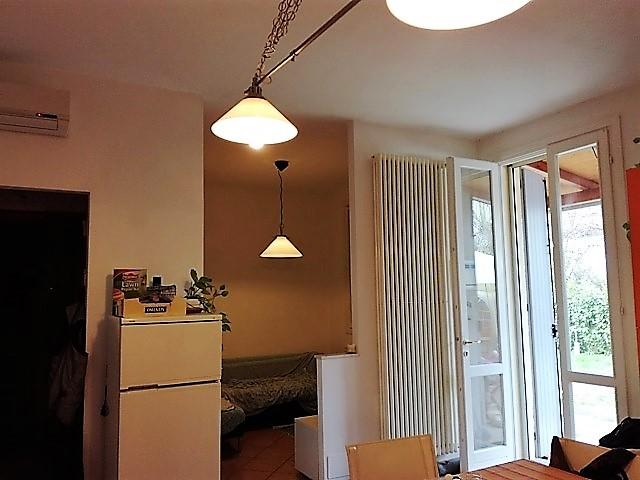 Z0015 Appartamento Parma (Parma)