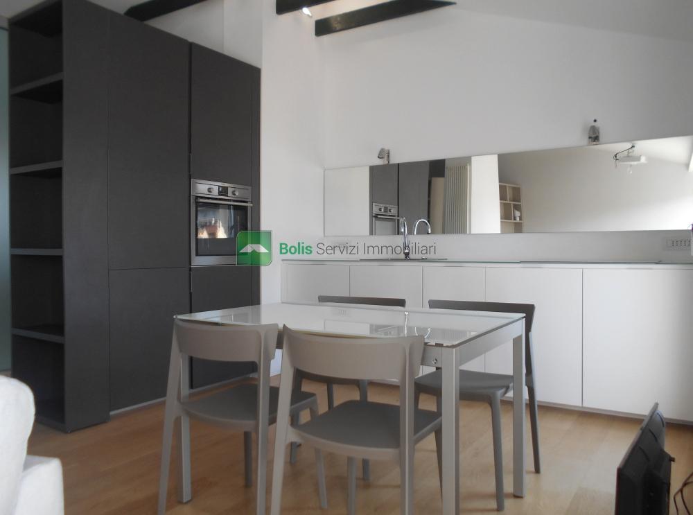 Appartamento in affitto a Buenos Aires, Milano (MI)