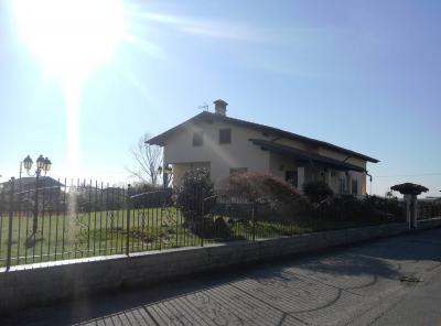 Villa in Vendita a Vigliano Biellese