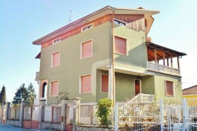 Casa singola in Vendita a Biella