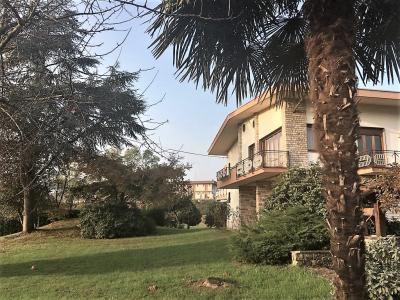 Villa in Vendita a Cossato