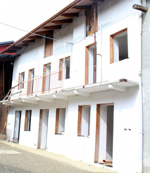 Casa semi-indipendente in Vendita a Benna