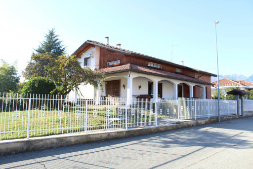 Villa in Vendita a Ponderano