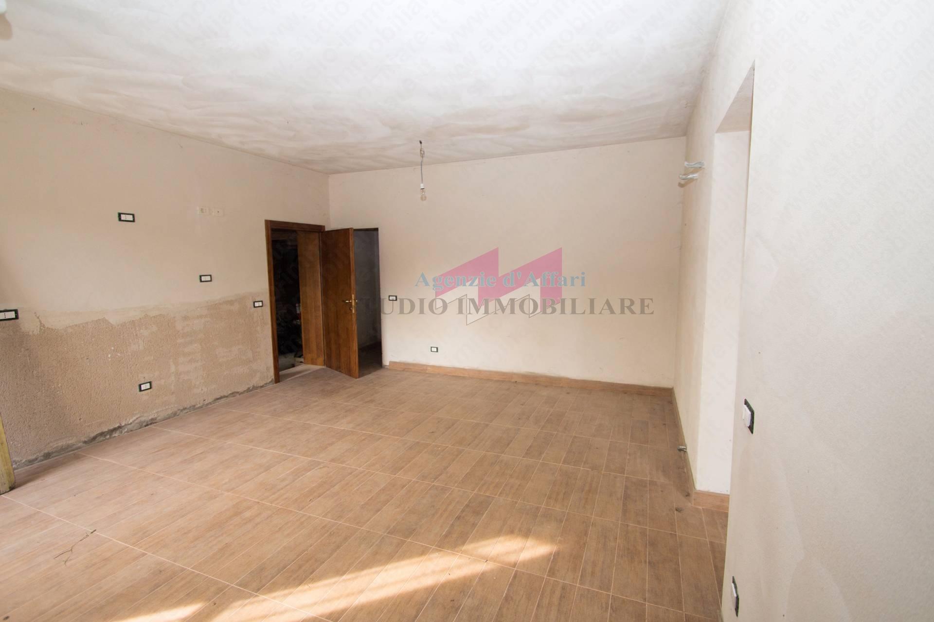 Altro in vendita a Ostiglia, 9 locali, zona Località: Correggioli, prezzo € 90.000 | PortaleAgenzieImmobiliari.it