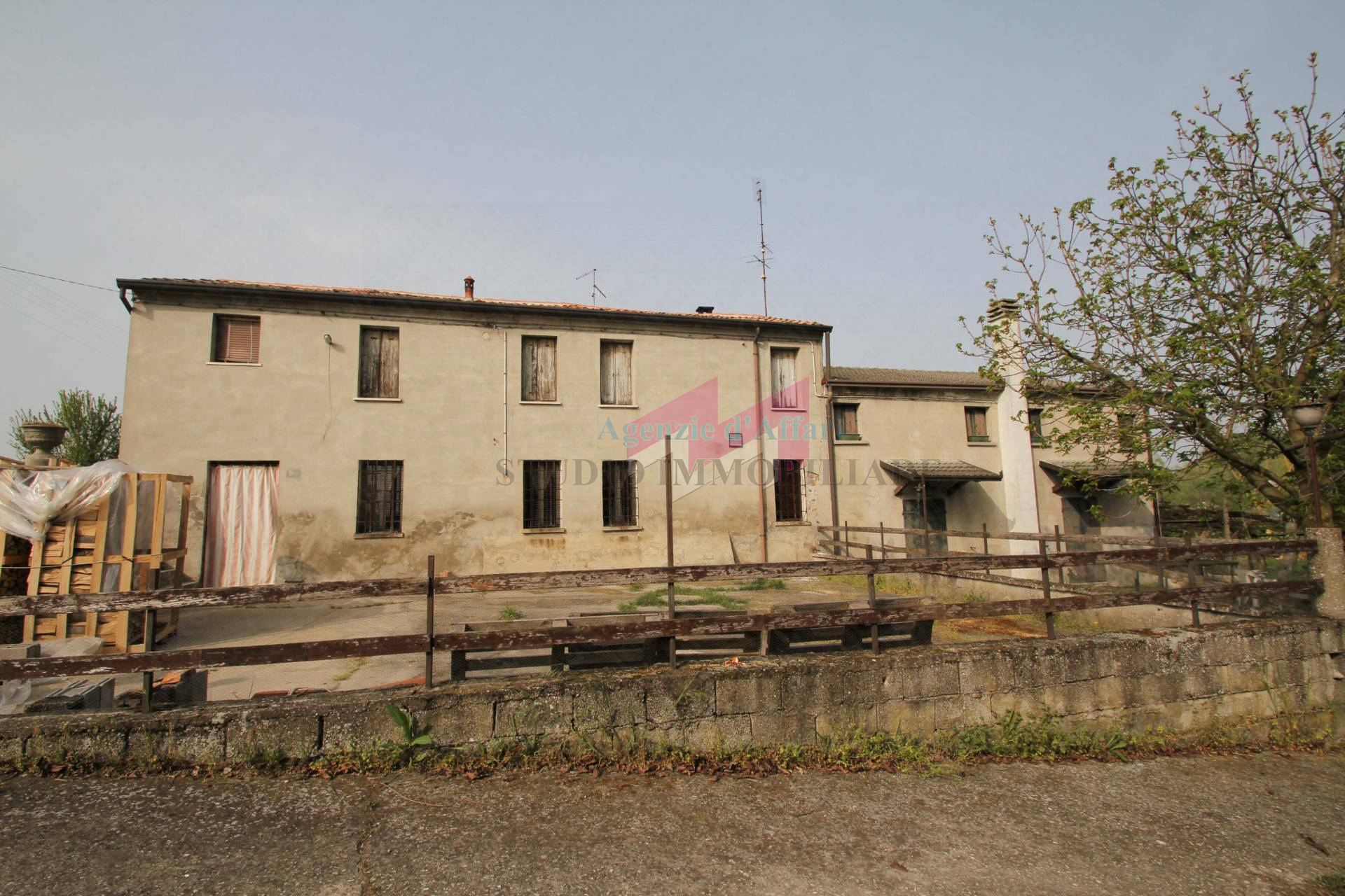 Altro in vendita a Castelnovo Bariano, 6 locali, zona Località: Arella, prezzo € 22.000   PortaleAgenzieImmobiliari.it