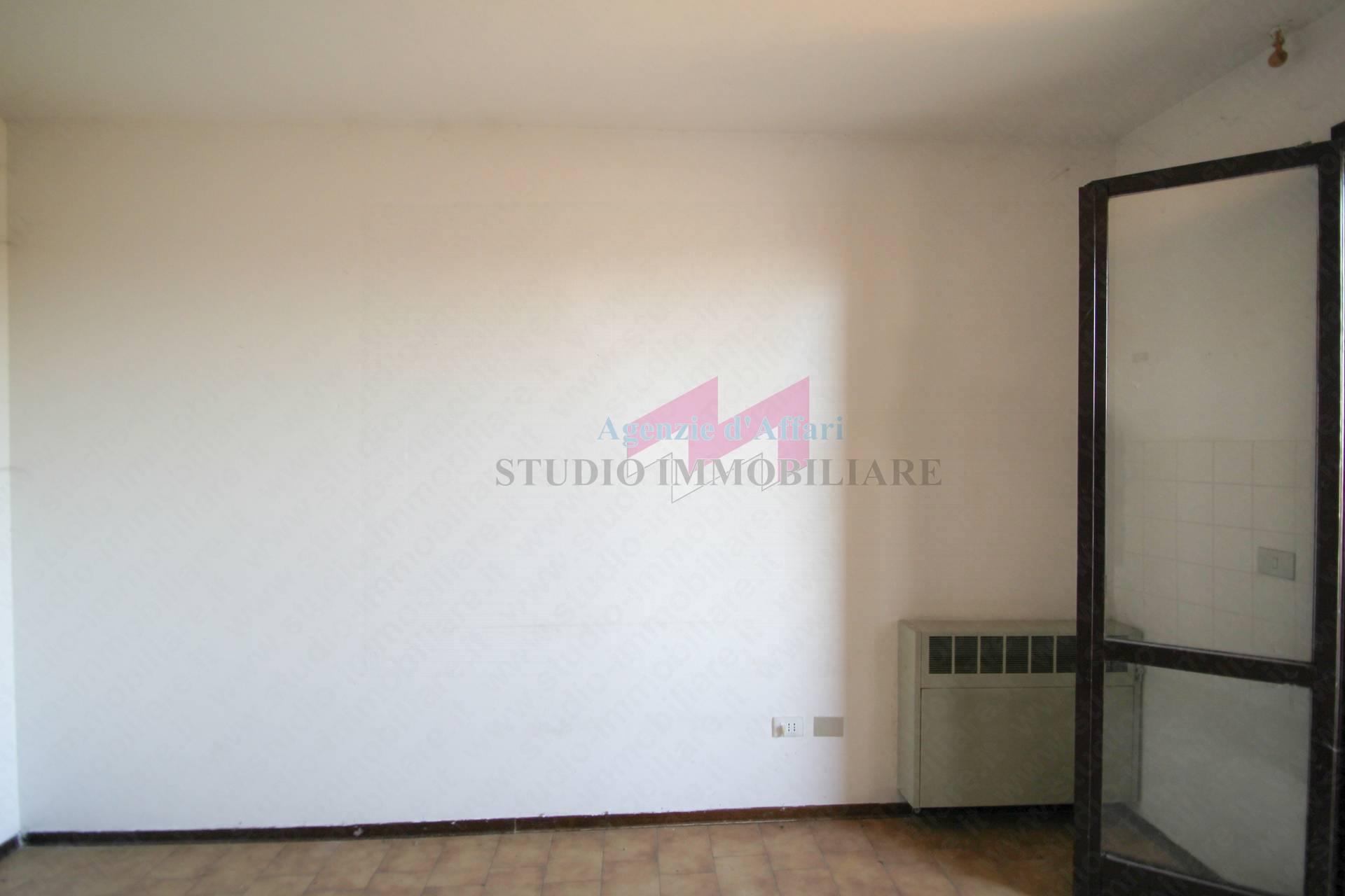 Appartamento in vendita a Sermide, 4 locali, zona sotto, prezzo € 32.000 | PortaleAgenzieImmobiliari.it