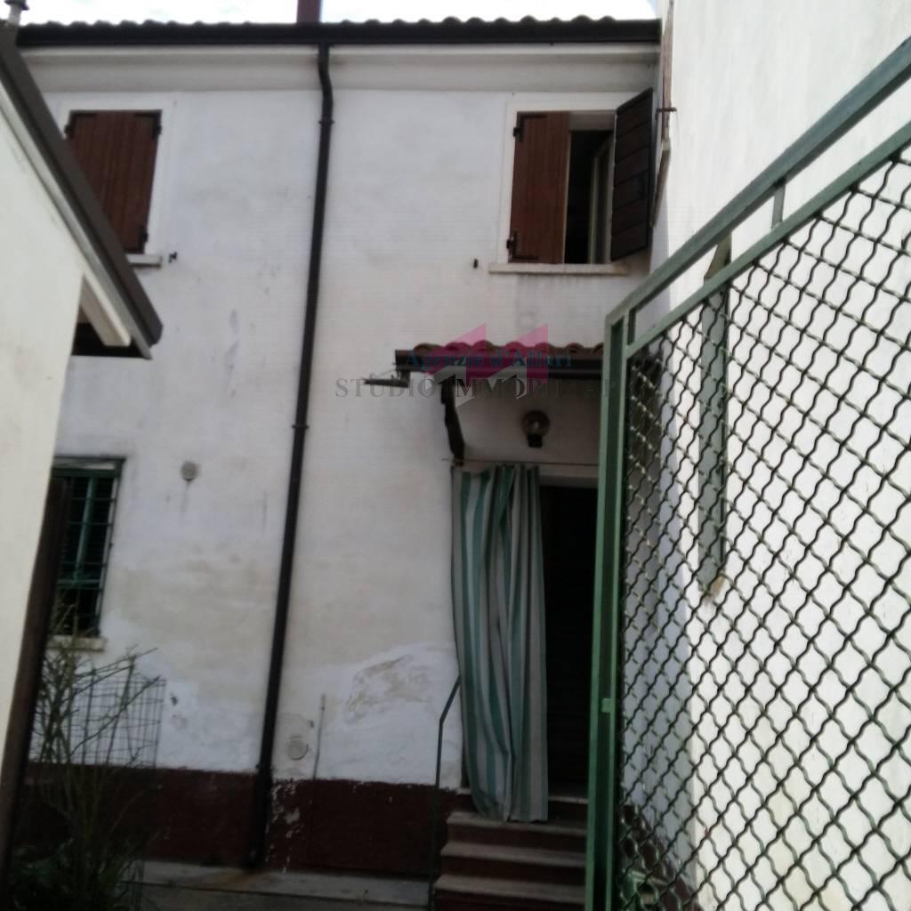Altro in vendita a Ostiglia, 6 locali, prezzo € 30.000 | PortaleAgenzieImmobiliari.it