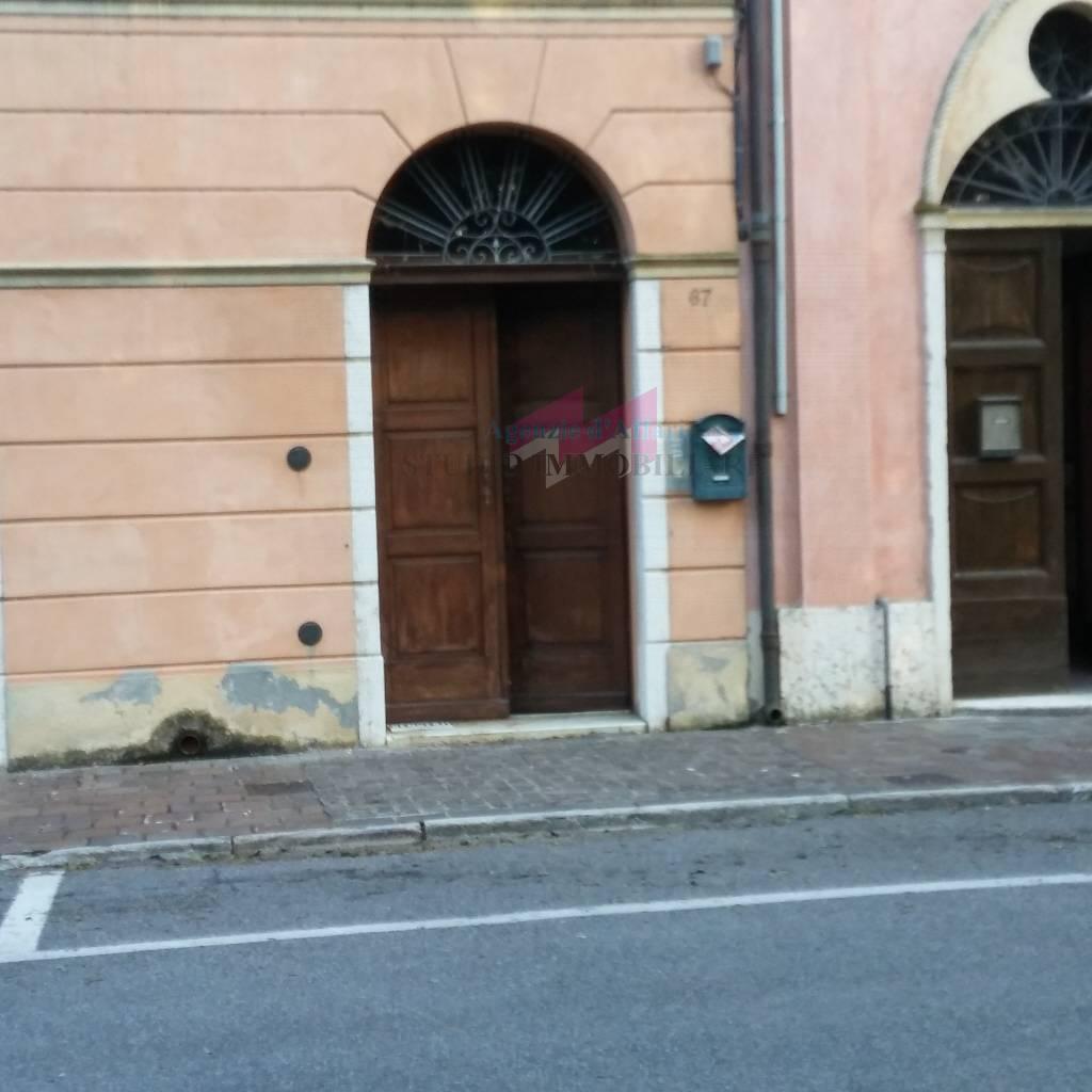 Appartamento in vendita a Ostiglia, 9 locali, prezzo € 65.000 | PortaleAgenzieImmobiliari.it