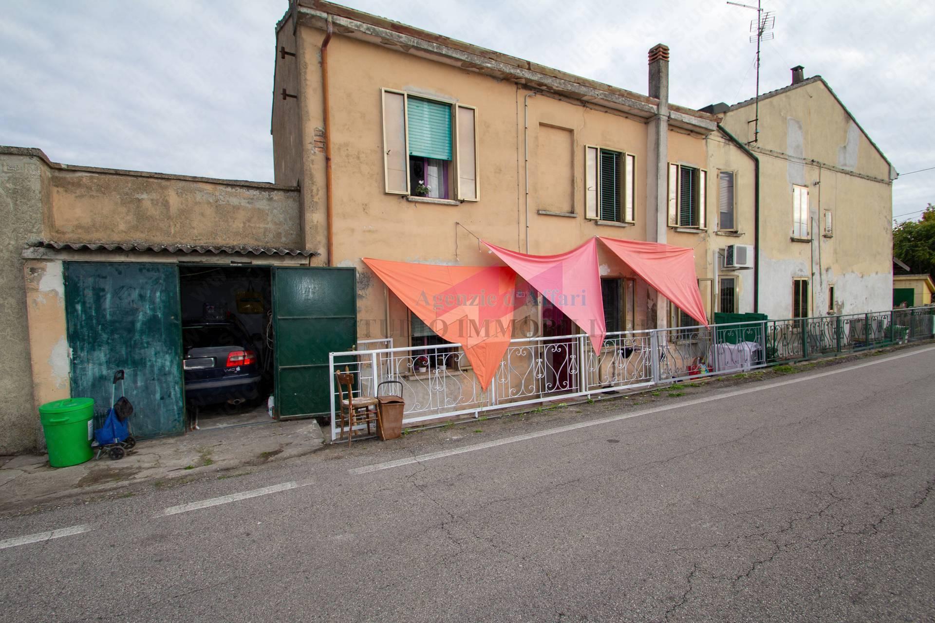 Altro in vendita a Castelnovo Bariano, 4 locali, prezzo € 21.000   PortaleAgenzieImmobiliari.it