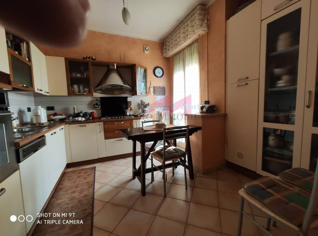 Appartamento in vendita a Ostiglia, 6 locali, prezzo € 43.000 | PortaleAgenzieImmobiliari.it
