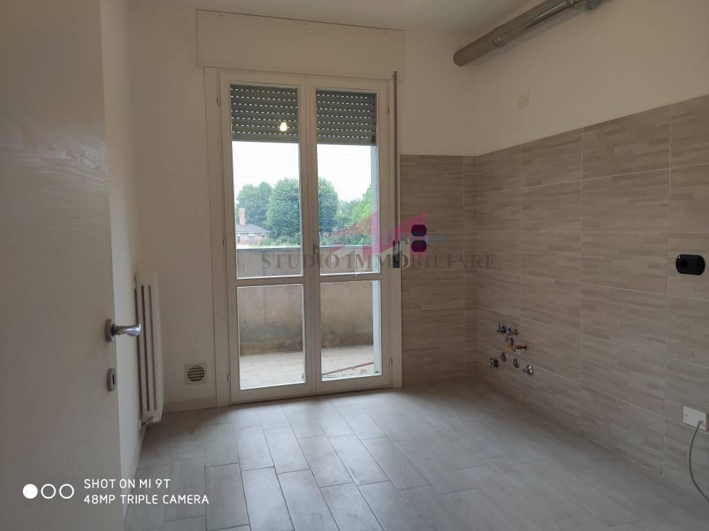 Appartamento in vendita a Ostiglia, 6 locali, prezzo € 90.000 | PortaleAgenzieImmobiliari.it