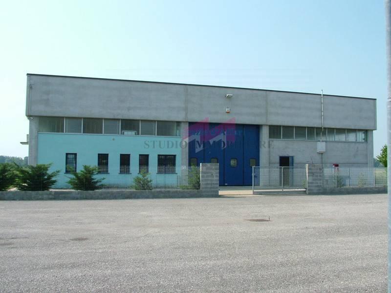 Capannone in affitto a Quingentole, 9999 locali, prezzo € 180.000 | PortaleAgenzieImmobiliari.it