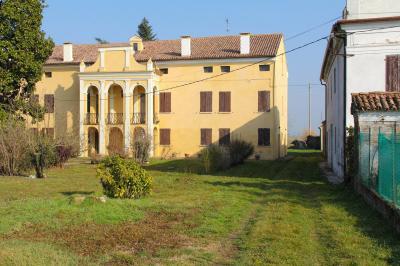 Vai alla scheda: Villa singola Vendita - Ceneselli (RO) - Codice -2-2936/B